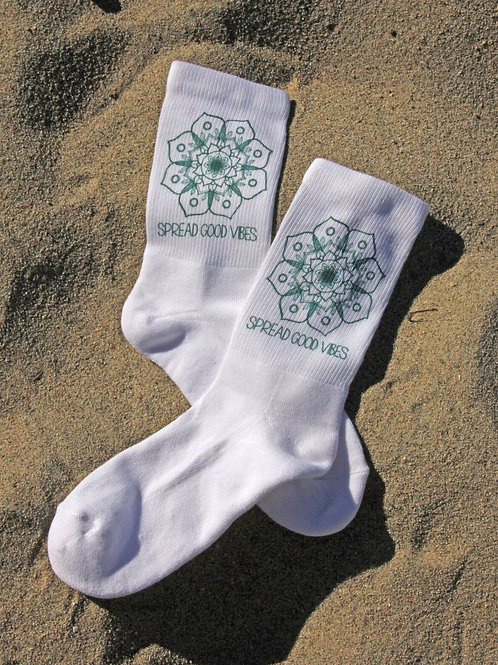 Spread Good Vibes 1/2 Cushion Crew Socks