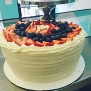 Special Request order, Pound cake with Cream Cheese frosting strawberries and blueberries on top! _#poundfruitcake #poundcake #bestcakeintow