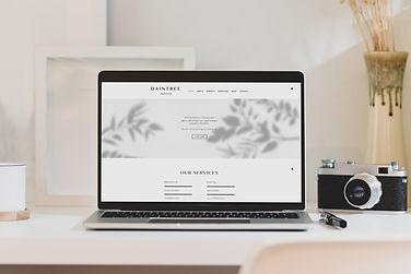 Free Workstation MacBook Pro Mockup Desi