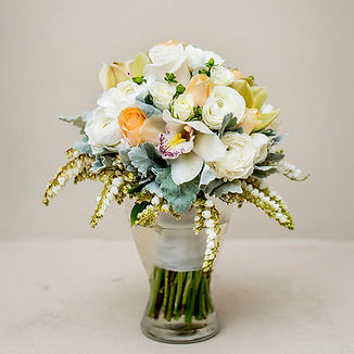 bouquet-in-vase-1000.jpg