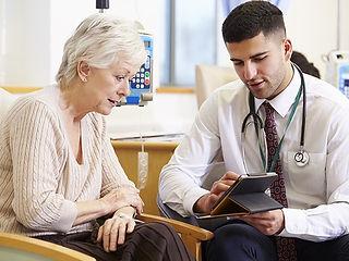 Patient_Doctor_Tablet_chemo_Website_Half