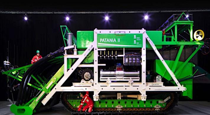 Testes de mineração em alto mar são retomados enquanto robô perdido é resgatado