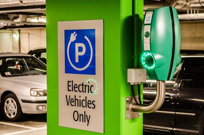 A Câmara dos Democratas nos EUA irá pedir carros 100% green até 2035