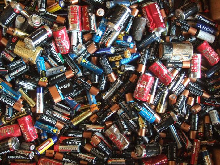 Metais de baterias recicladas estão sendo testadas para uso como fertilizante agrícola na Austrália