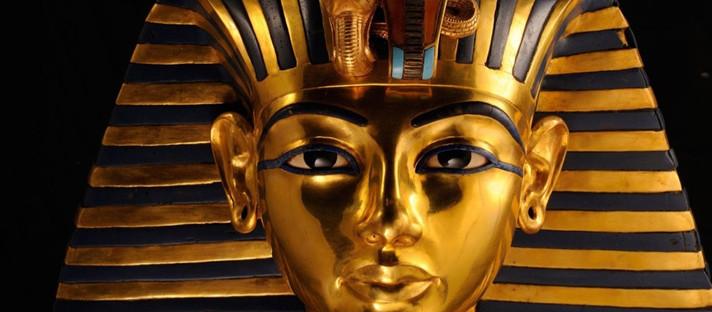 Mineração de ouro nas areias do deserto - Egito