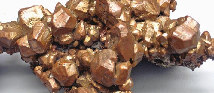 O cobre pode ser a chave para transformar CO2 em combustível