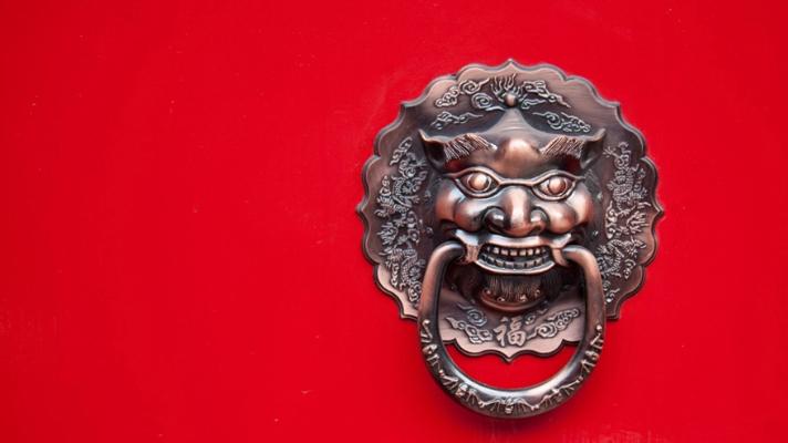 Tensões entre EUA e China impedem alta dos preços do cobre