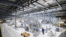 Europa Ocidental confirma 43% dos investimentos globais em projetos para fabricação de baterias