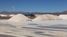 Chile ameaça ação legal para fazer Albemarle revelar reservas de lítio