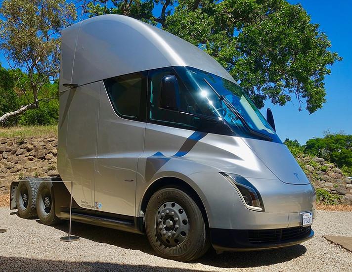 Tesla atingida por falta de bateria em meio à alta dos preços de lítio, cobalto e níquel