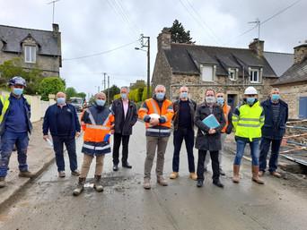 Gommenec'h : les élus visitent un chantier d'effacement de réseaux