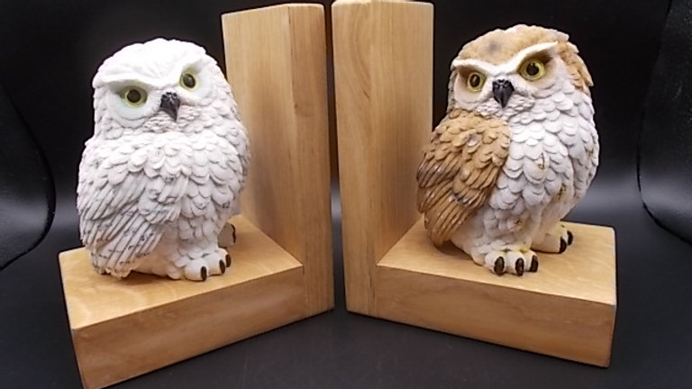 Bookends, handmade in Oak with Owls