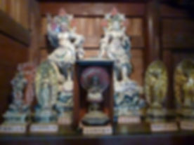本堂西(左)仏像