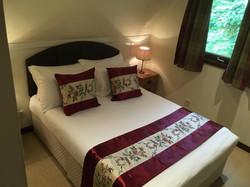 Sleeps 4/5, Double En-Suite, Twin Bed, Family Bathroom