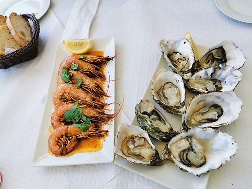 Romantic Boat Tour with Seafood tasting on board