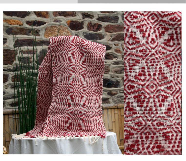 écharpe motif géométrique rouge et  lain