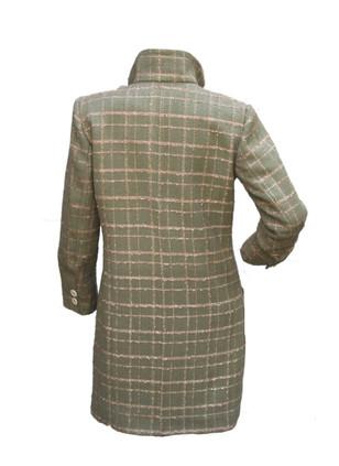 manteau à carreaux tweed de dos