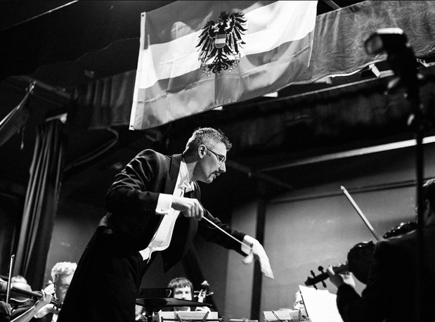 Dario Salvi conducts the Imperial Viennese Orchestra for a Viennese ball.  Photo credit: Phil Barnes