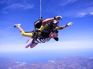 skydive-2717507_1920.jpg
