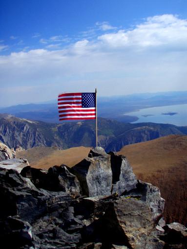 American Flag at Mt Dana