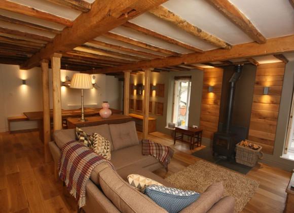 lounge_1_orig.jpg