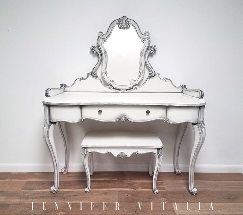 make up vanity - Jennifer Vitalia Design