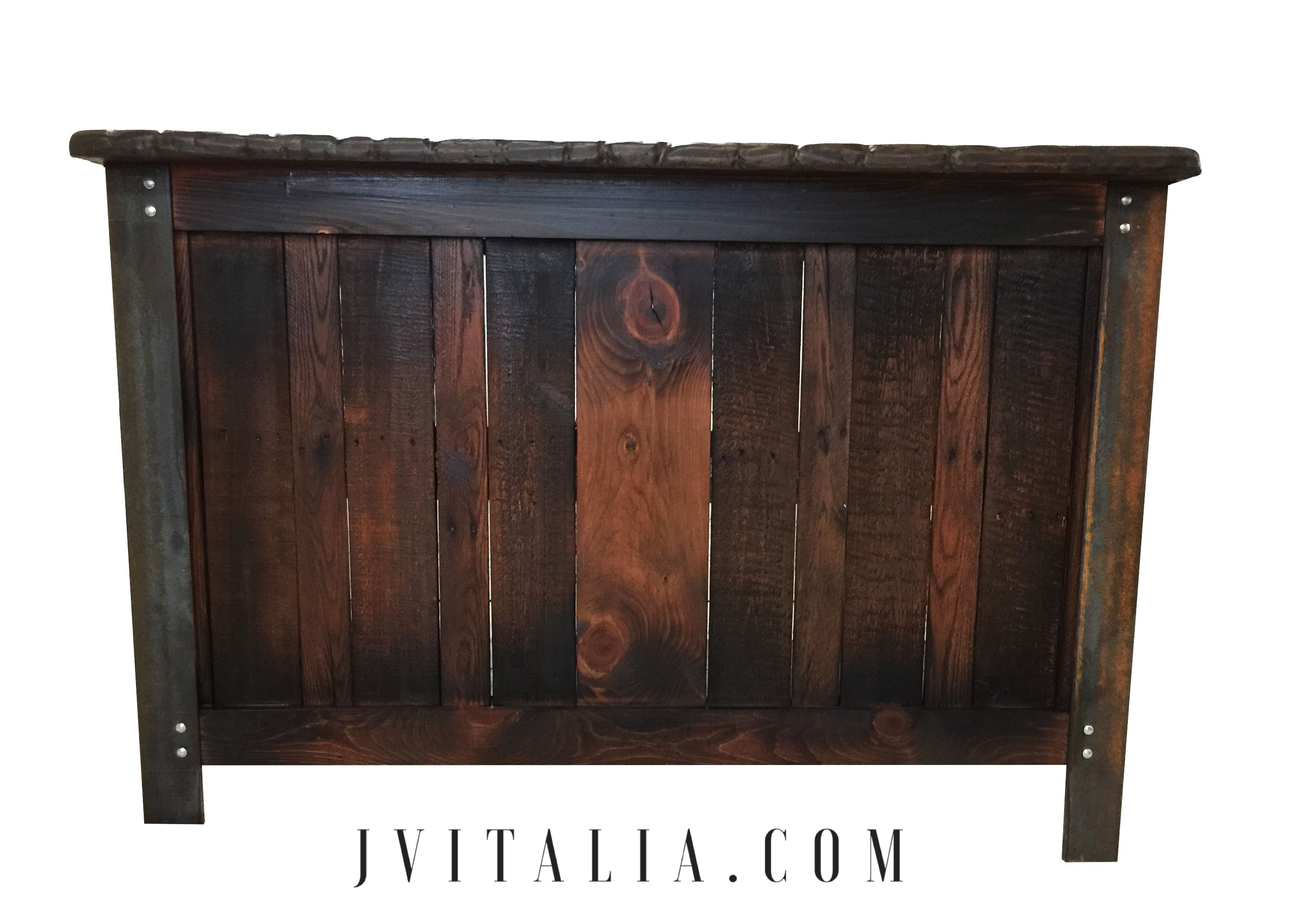 RUSTIC INDUSTRAIAL BAR - JENNIFER VITALIA