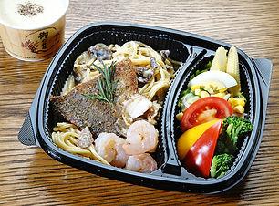 香草鱸魚白醬義大利麵.JPG