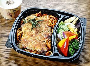 焗烤雞腿紅醬義大利.JPG