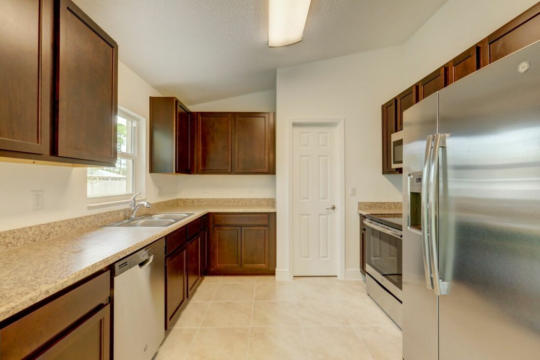 Esmeralda Floor Plan - Groza Builders Inc.-1-orig_