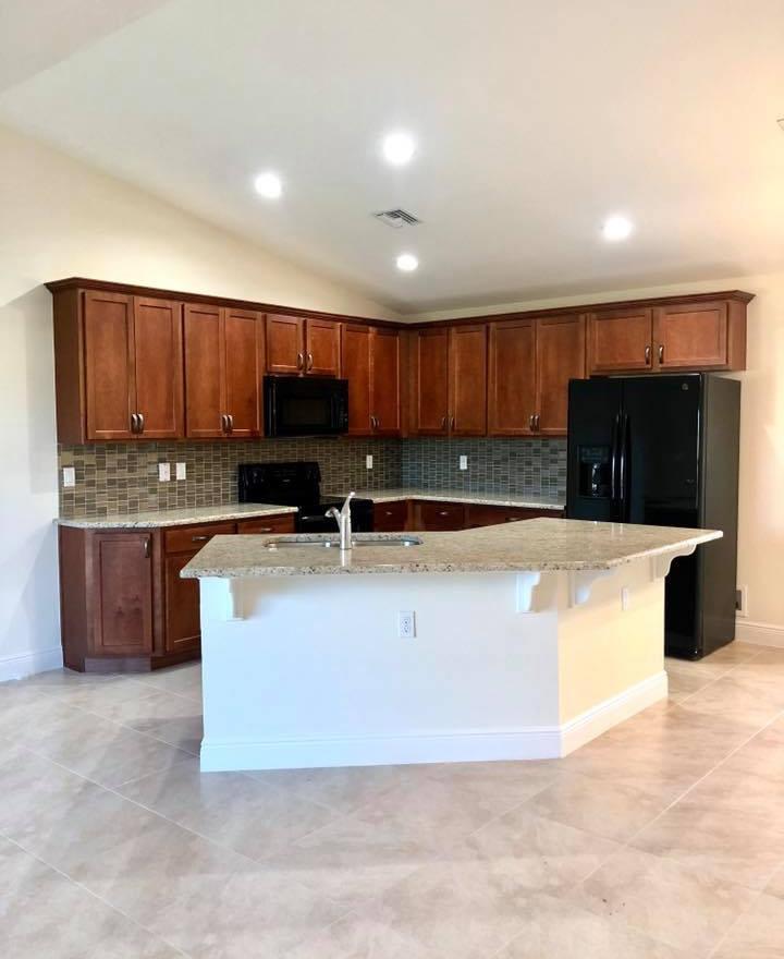 Genesis Floor Plan - Groza Builders Inc.