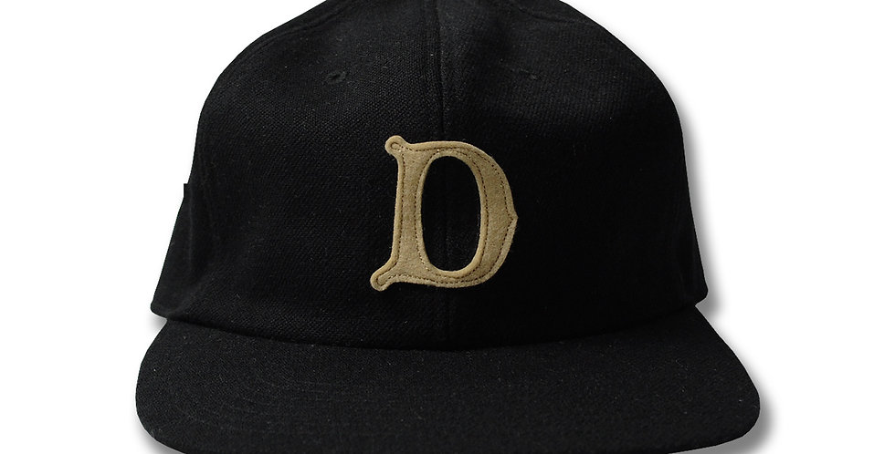 THE H.W.DOG & Co. DOG-00001 BASEBALL CAP with D Patch Black