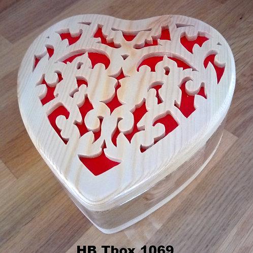 Heart box filigree