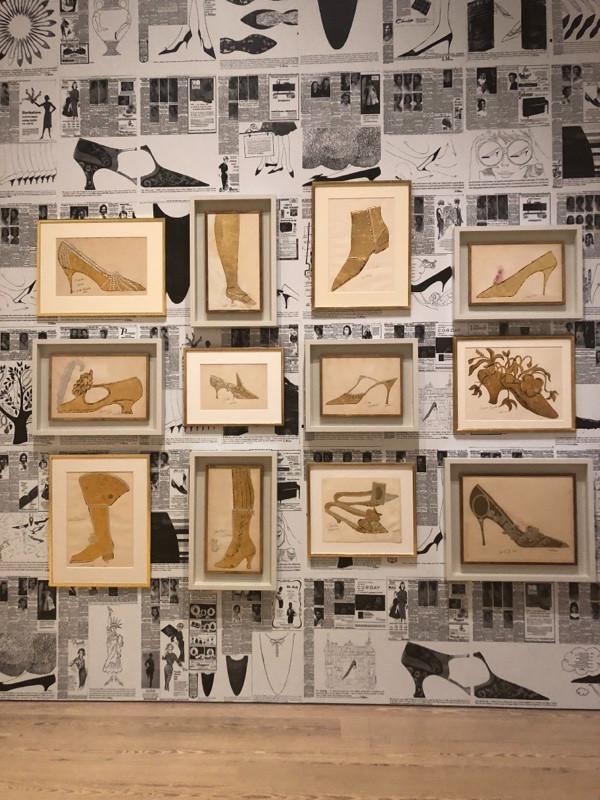 איורי נעליים של אנדי וורהול מהתקופה בה עבד בתעשיית האופנה