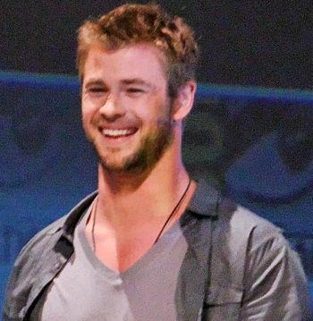 English: Chris Hemsworth at the 2010 San Deigo...