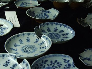 Chinese porcelain plates from 17th and 18th ce...