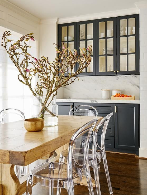 How To Dress Your Dining Table To Sell Your Home