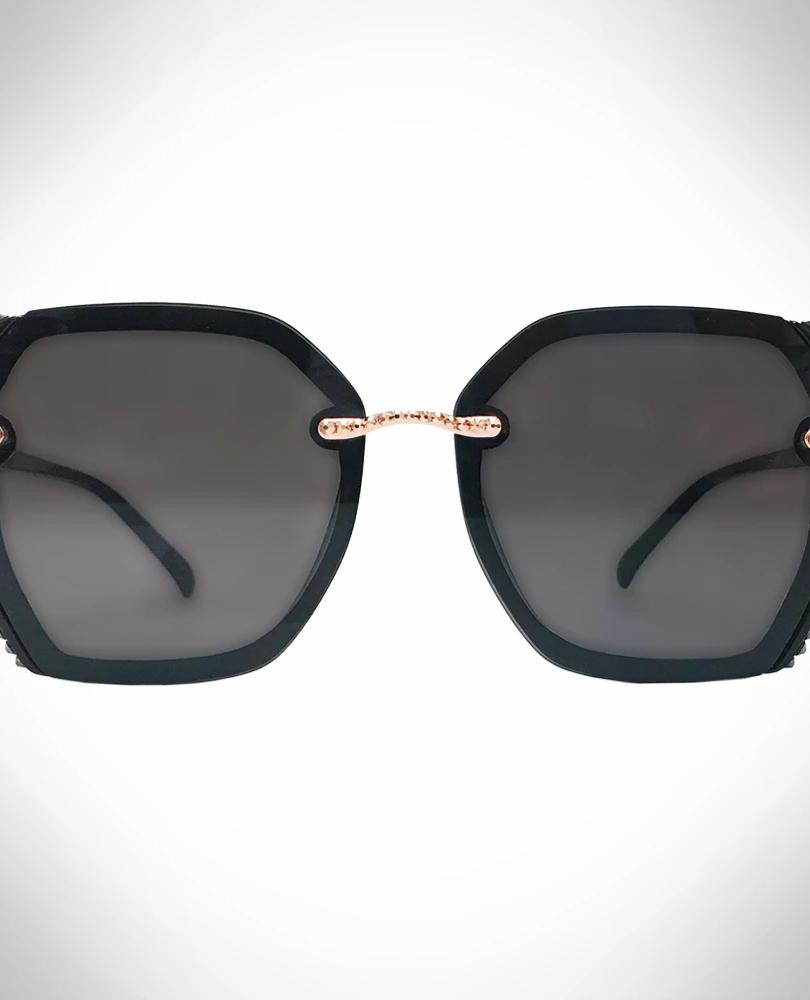 black sunglasses.webp