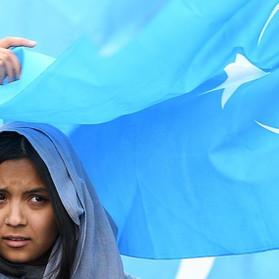 Popolo Uiguro e lavoro forzato: le responsabilità dell'industria della moda