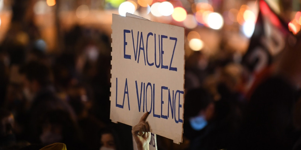 Violence. The language of security during demonstrations