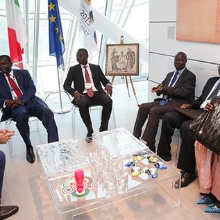 La diaspora senegalese: De-colonizzare una visione che oscilla tra luci e ombre