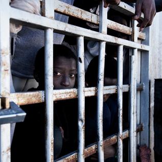 Centri di detenzione libici: violazioni dei diritti umani nel silenzio complice dell'Italia