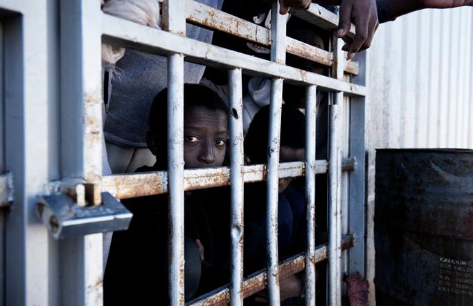 libia ragazzo carcere