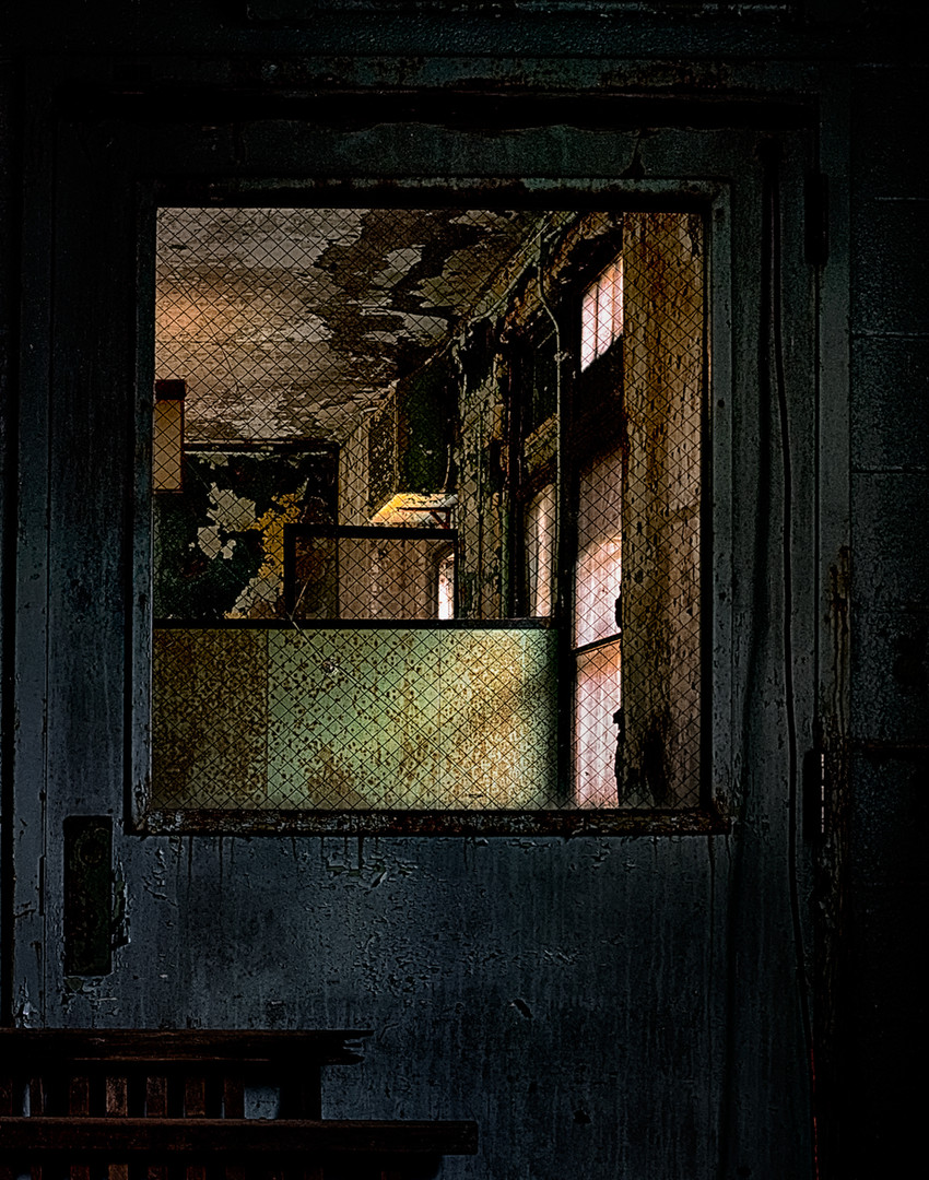 pennhurst-door.jpg