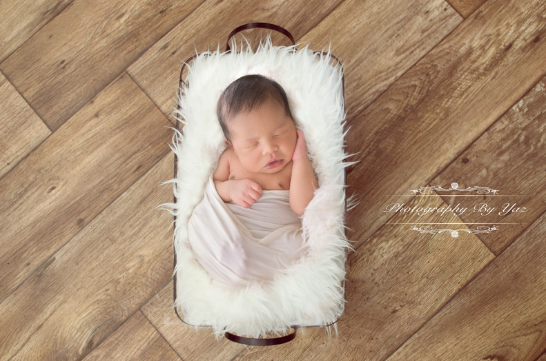 Newborn Photography by Yaz