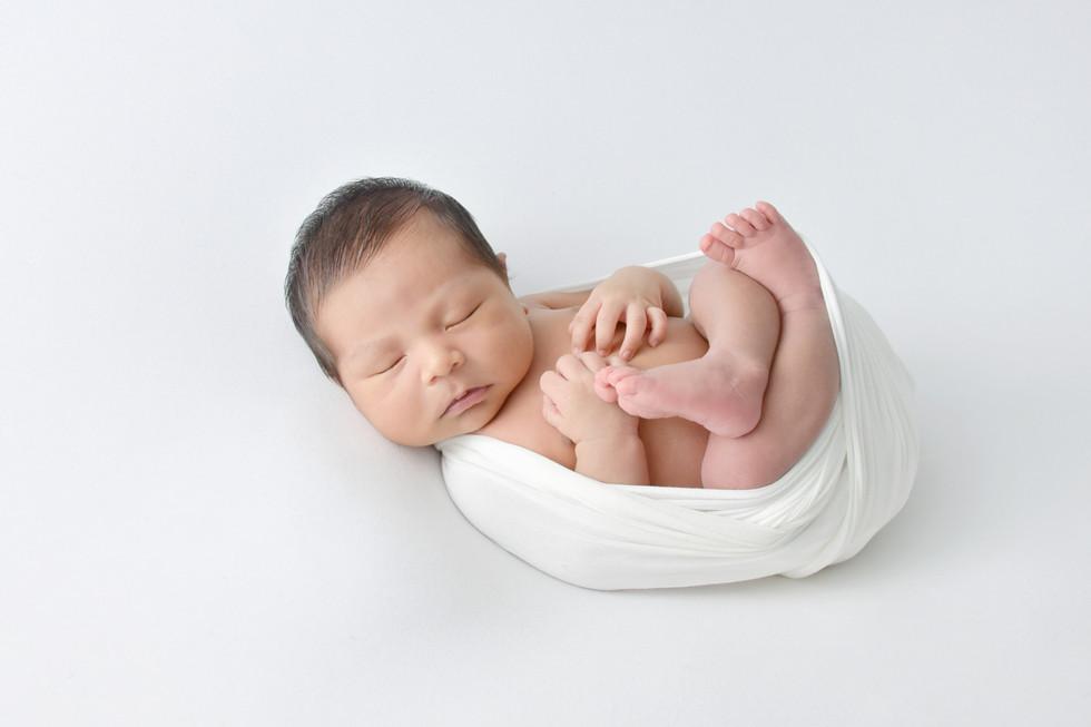 Boy newborn Photgraphy