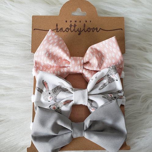 Bunny Love Bow Set