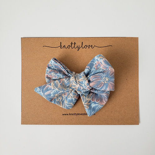 Pinwheel Bow- Peachy Blue