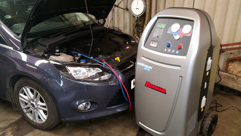 car airconditiong recharge service