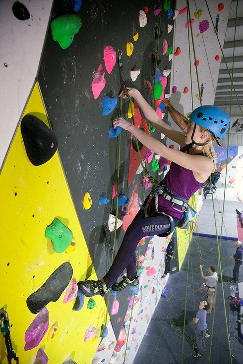 cliffhangers-lead-climber-10.jpg